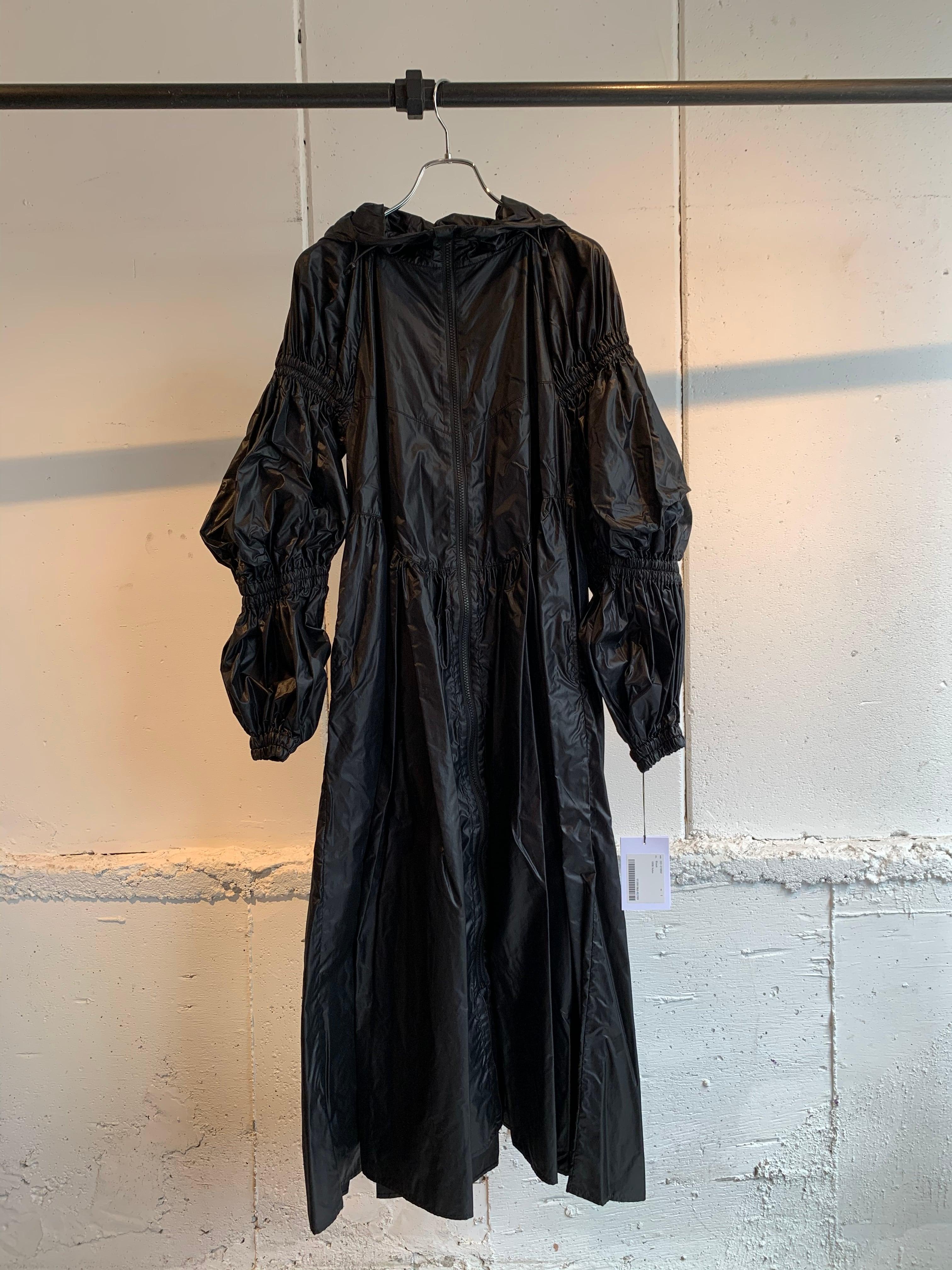 Chika Kisada hood coat (BLACK)