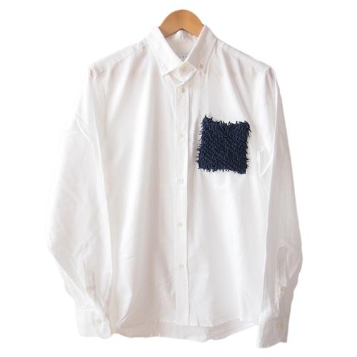 <ネイビー>ユニーク×伝統工芸 クモ絞り(有松絞り)生地を使用したオックスフォードメンズシャツ by ツムギラボ