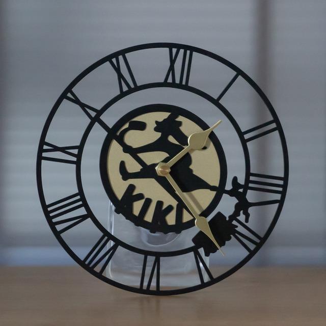 【2022年3月再入荷予定】魔女の宅急便 キキの看板 壁掛け時計(1468)
