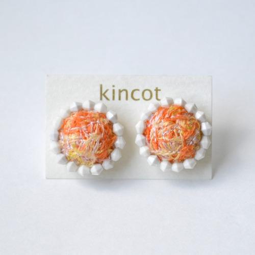 kincot 色糸 小さなまるピアス(ビーズ×オレンジ)