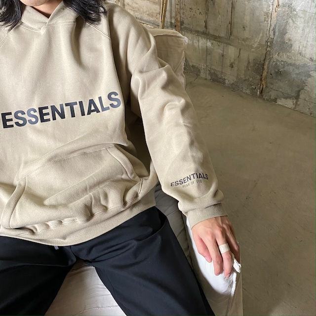 ESSENTIALS【エッセンシャルズ】NEW FRONT LOGO PULLOVER HOODIE (TAN).