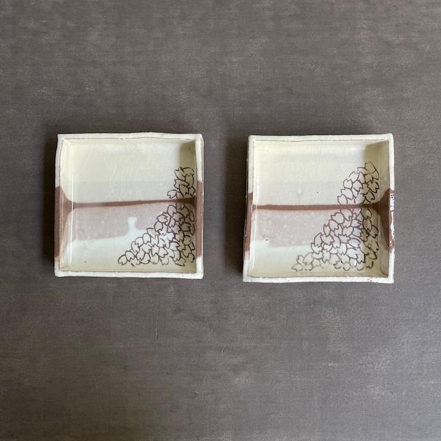 山上憲一     粉引き 桜角鉢