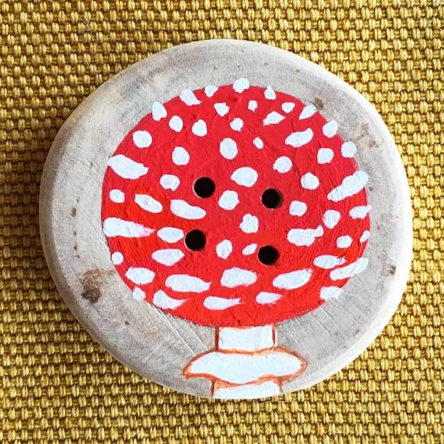 【富良野 森の贈り物】森のきのこの飾りボタン3