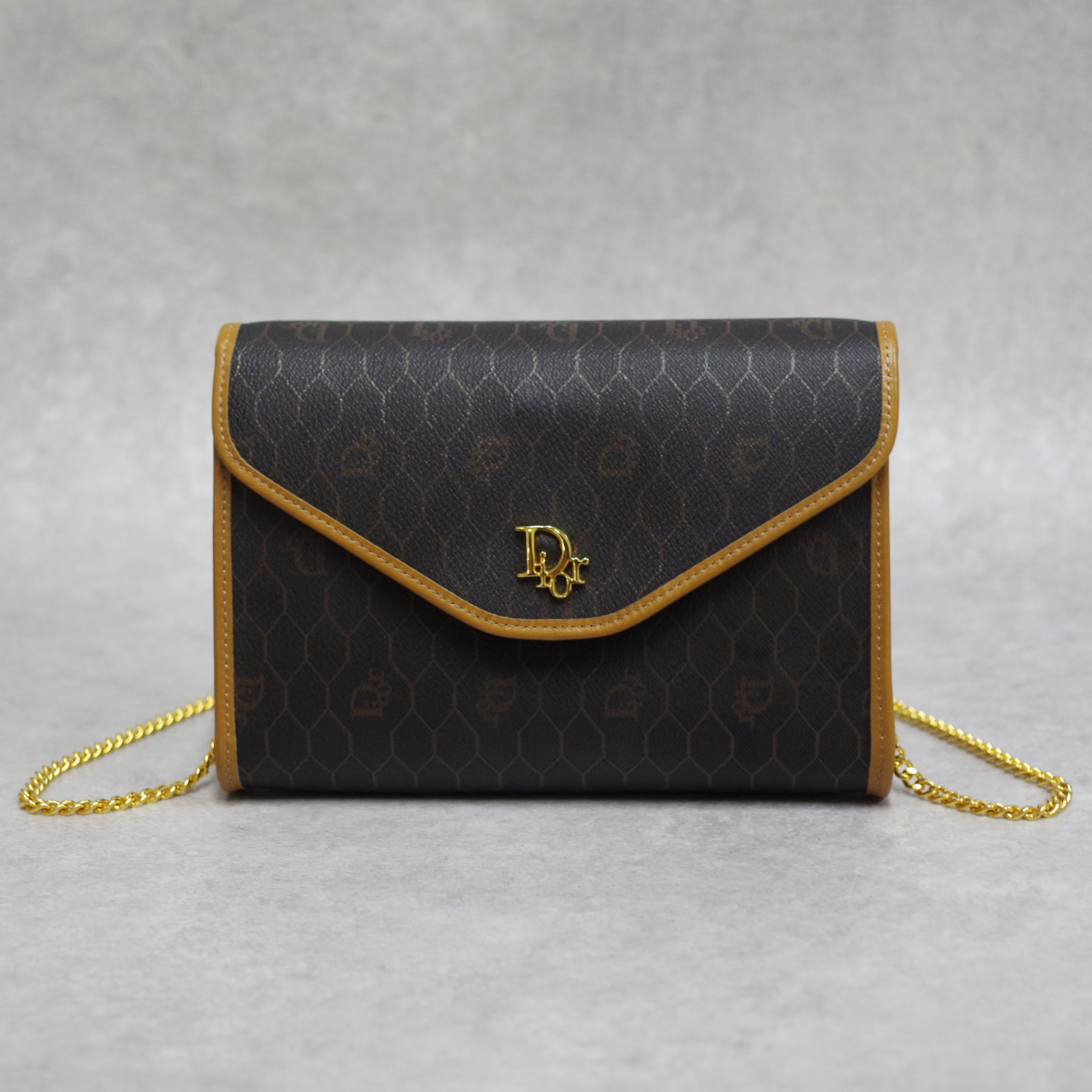 Christian Dior ディオール ハニカム柄 ショルダーバッグ ダークブラウン