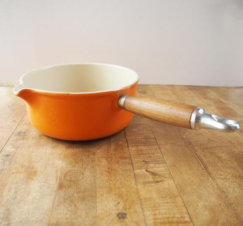 ヴィンテージ ル・クルーゼの木の持ち手の片手鍋