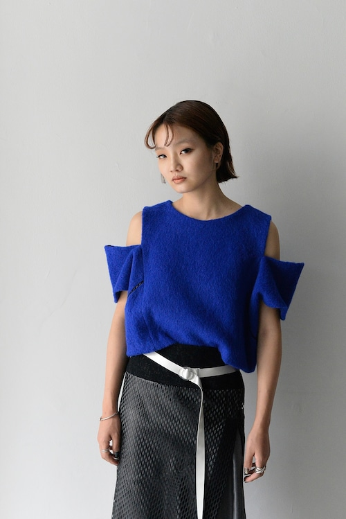 koll / shaggy wool top