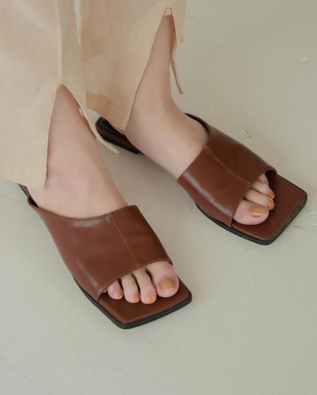 square toe slant sandal