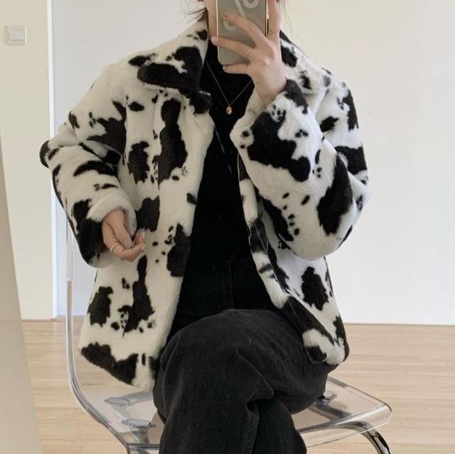【最短2日で発送/数量限定】Cow pattern fur coat LD0184