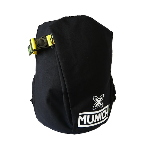 【MUNICH】 ムニック BACKPACK ブラック×ホワイトロゴ