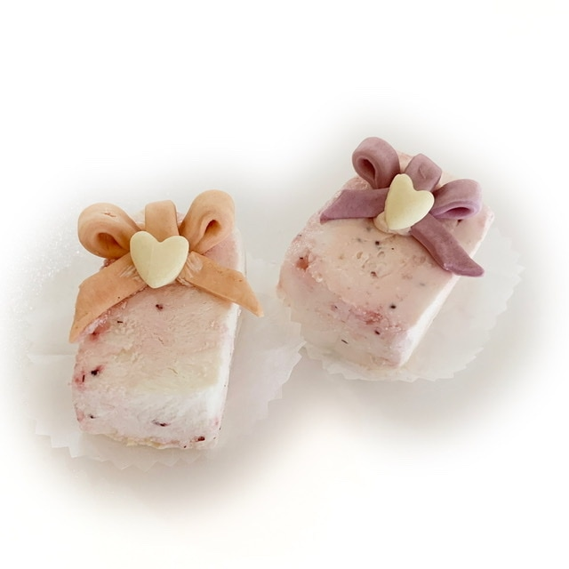 【冷凍】キッチンドッグ×犬の生活コラボケーキ いちごみるくケーキ