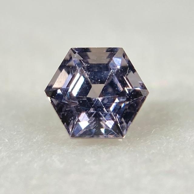 スピネル 六角形  約3.8*2.8mm r-0543