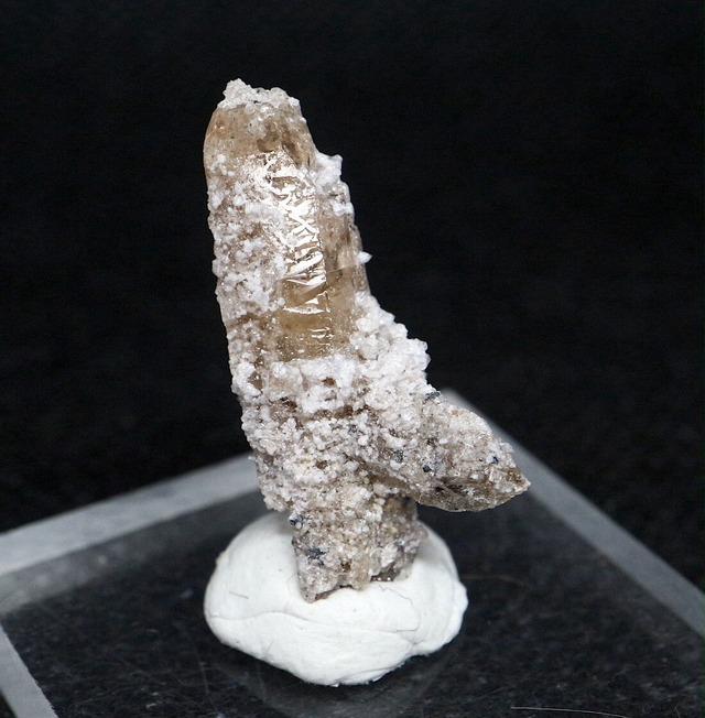自主採掘!ユタ州産 トパーズ 1,7g 原石 標本 TZ083 鉱物 パワーストーン 天然石