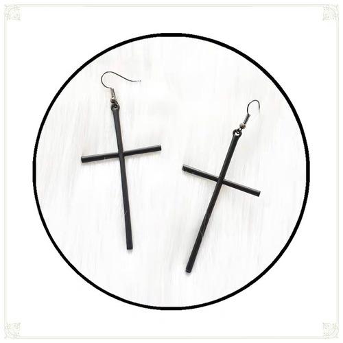 【お取り寄せ】 BIG 十字架 ピアス 2色