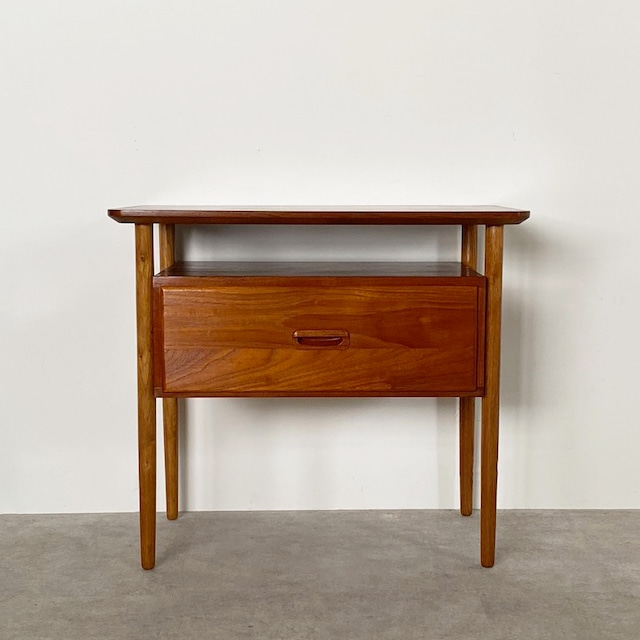 Side table / TB017