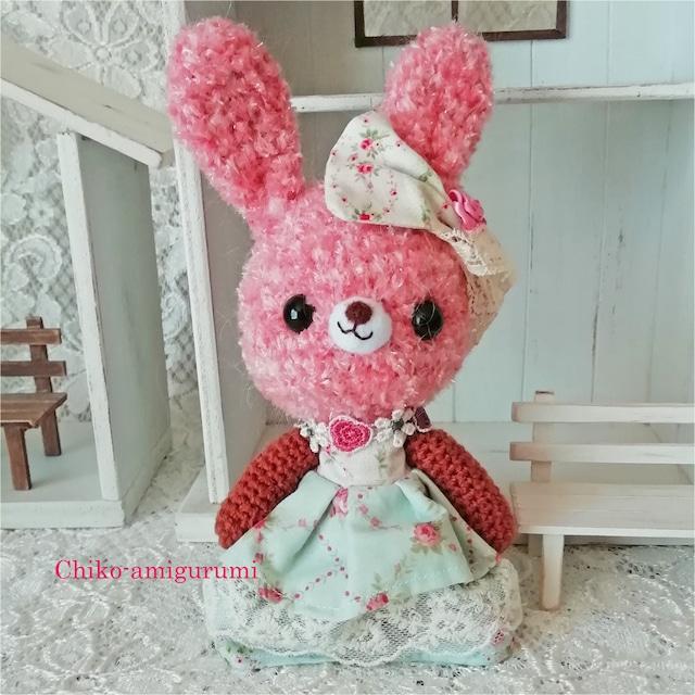 Chiko-amigurumi: お洋服を着たウサギさん リボンが可愛い♪