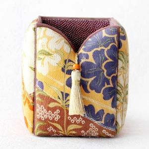 和風インテリア雑貨 ペン立て ブラシ入れ 小物入れ シック桜紋様