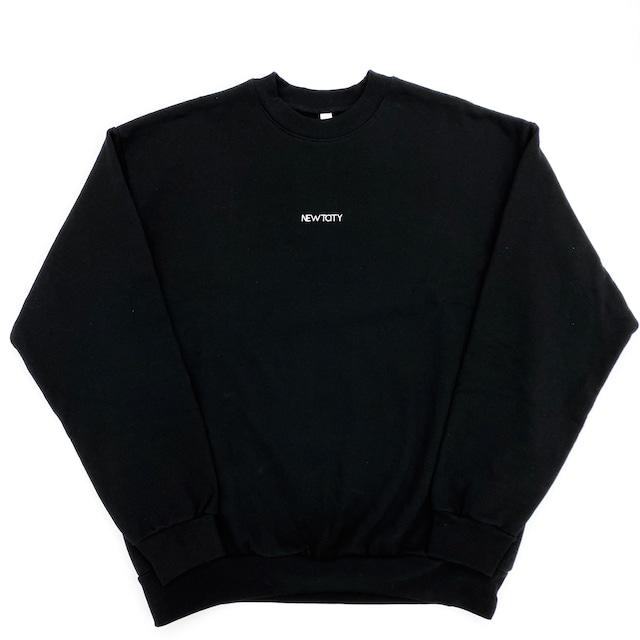 NEWTCITY_ロゴプリント入りスウェットシャツ