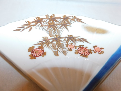 九谷扇型銘々皿(五客 )Kutani collard porcelain five plats
