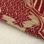 正絹 赤とベージュの版画のようなはぎれ 帯揚げに