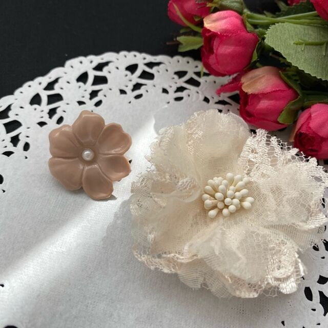 お花のコサージュ&ブローチ