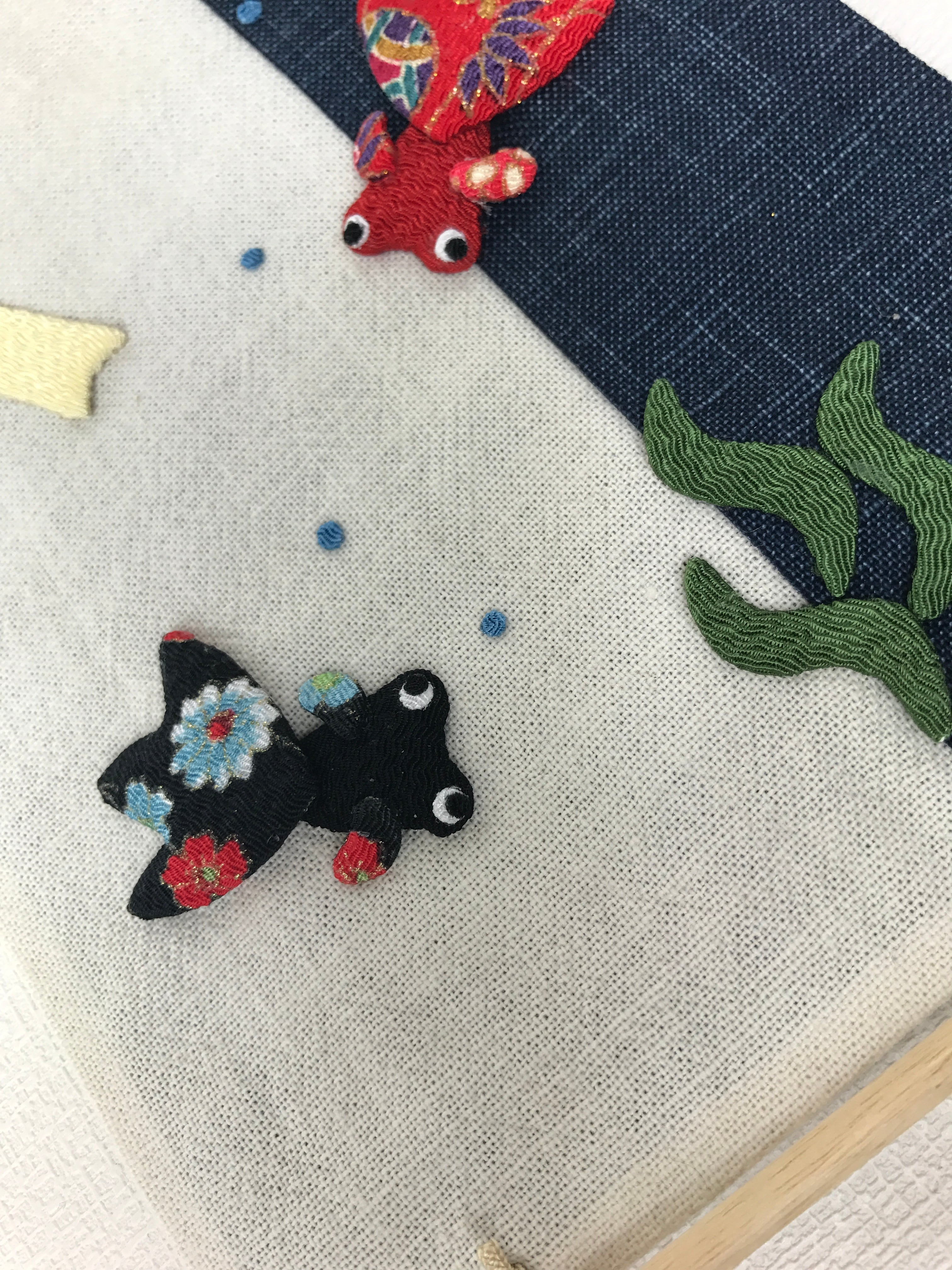 ちりめん押絵金魚の夏の彩りミニタペストリー