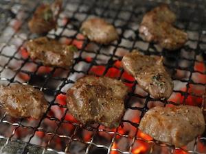 北海道産 ネギ塩豚コメカミ 500g