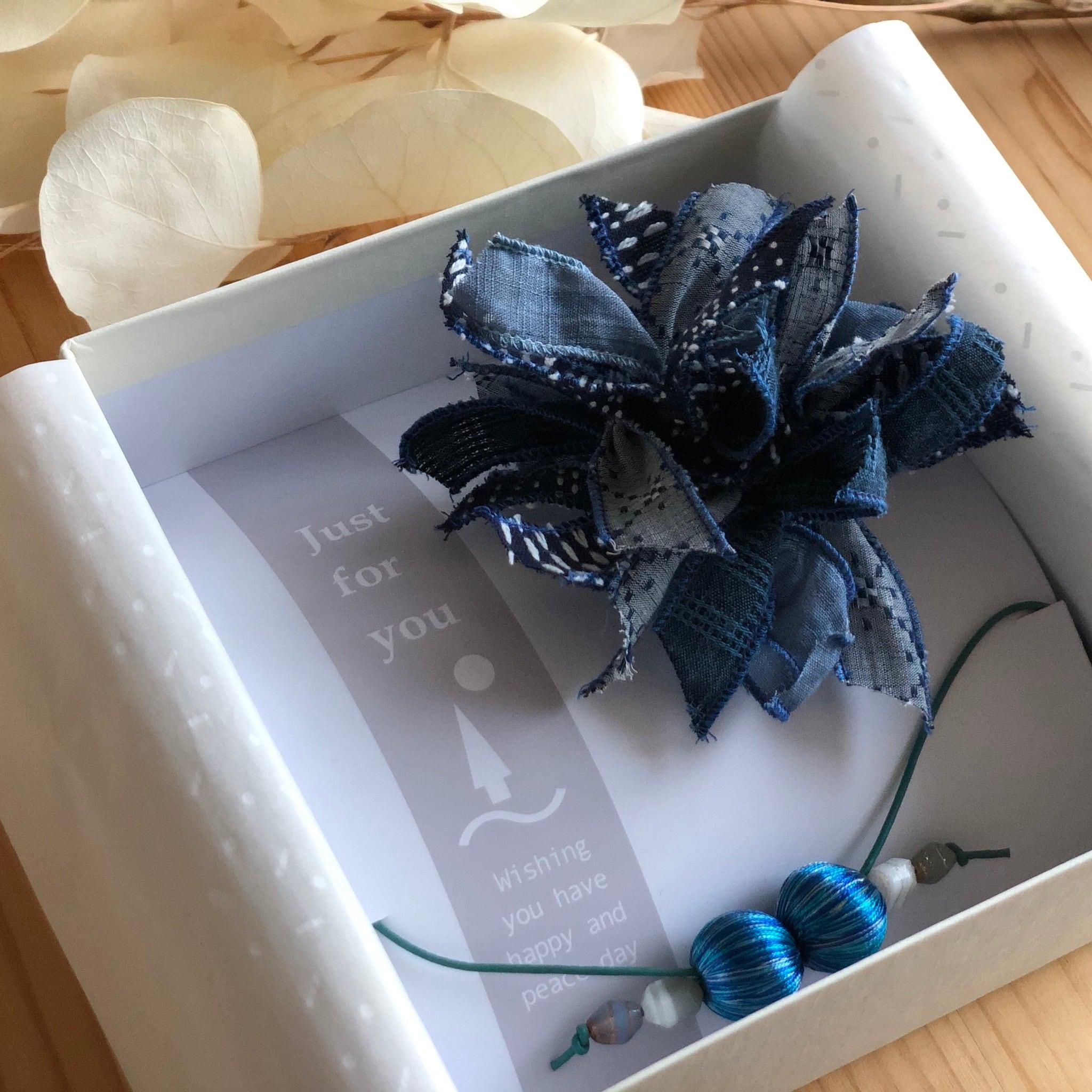 コサージュブローチandネックレス-gift box-