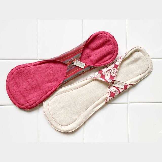 夜用(防水あり)肌面:オーガニック染料使用フランネル&無漂白フランネル2枚セット/2 Night pads each Vibrant Organic and Natural Organic