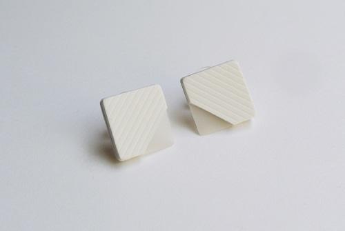 ilocami SEER PIERCE 【WHITE】