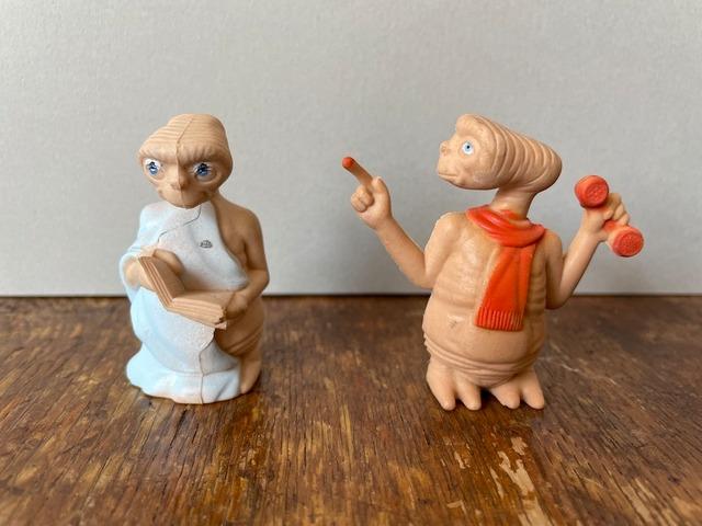 【アメリカ】E.T.の人形(読書)
