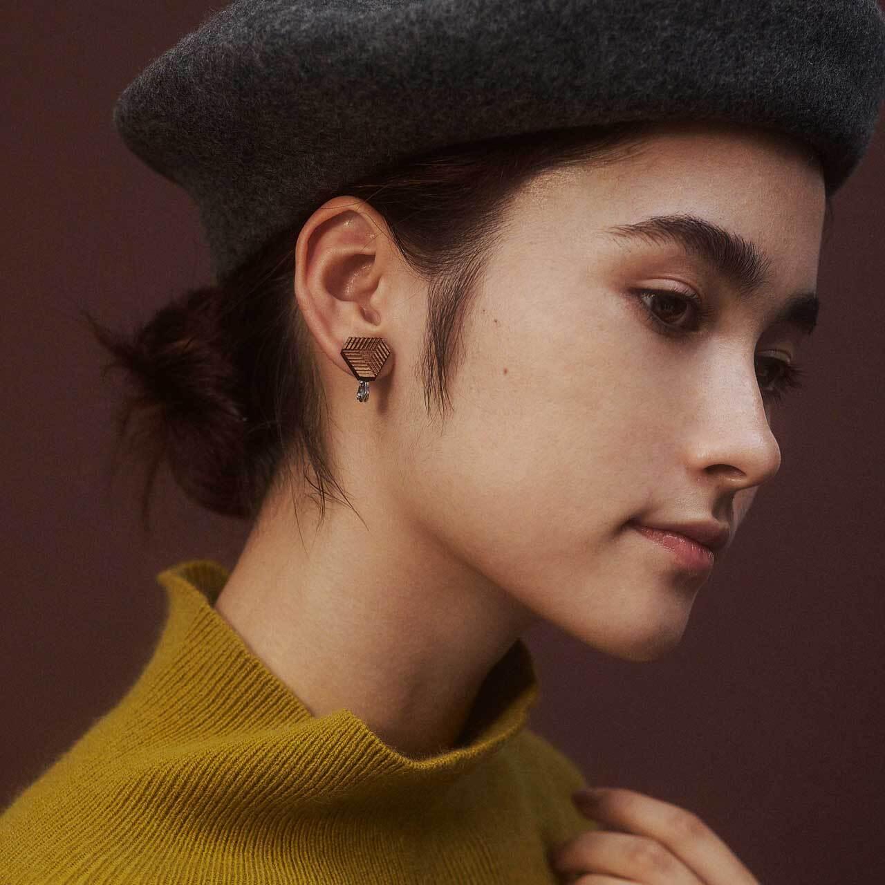 delta / デルタ(Pierced Earring)