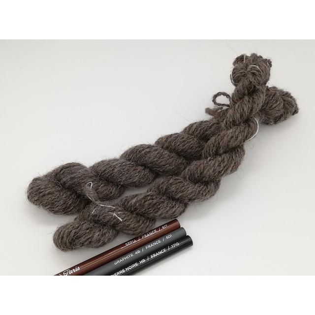 Rueca 紡ぎ糸 シェットランド羊100% ナチュラルカラー/グレー 双糸/紡毛糸/S撚り No.6−2 重さ:10g 長さ:19.5m