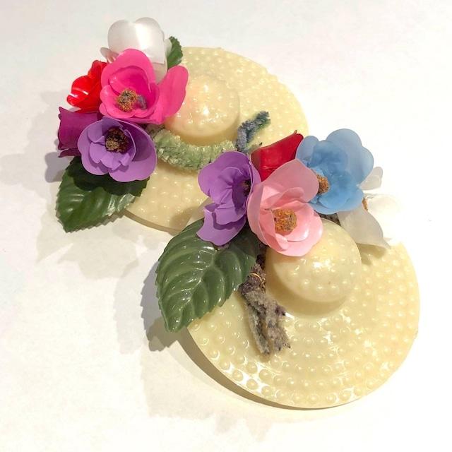 お花の麦わら帽子ヴィンテージブローチ