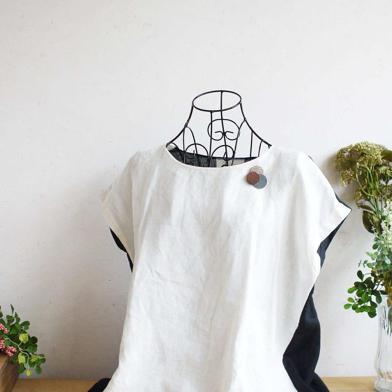 どんなお洋服にも似合う!シンプルフォルム 木&ステンレス&ざっくり麻のブローチ〈 Dots 〉ウッド