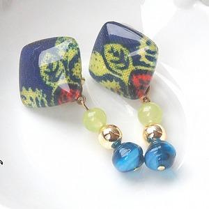 """ Earrings NO. 377-62″ 天然石ネイビーイエロー"