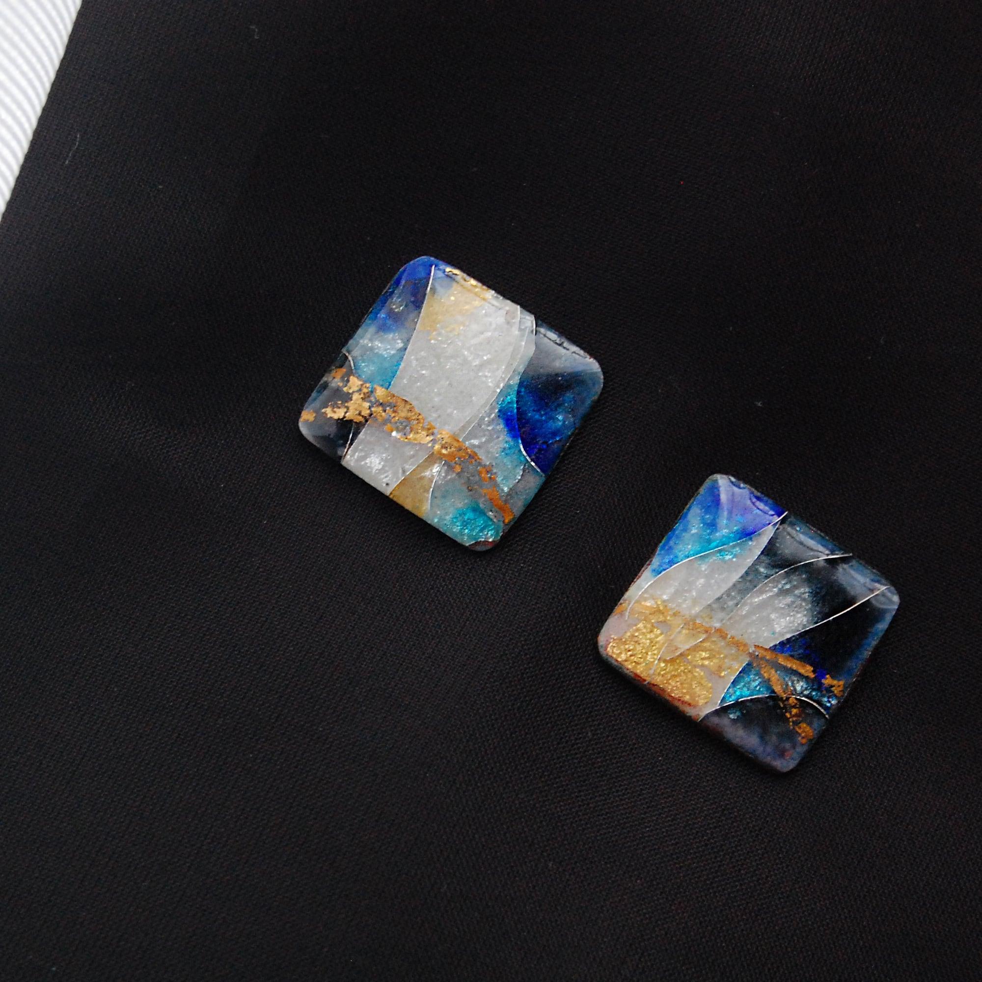 銀彩銀箔張り 青と白のまどろみ文様 カフス