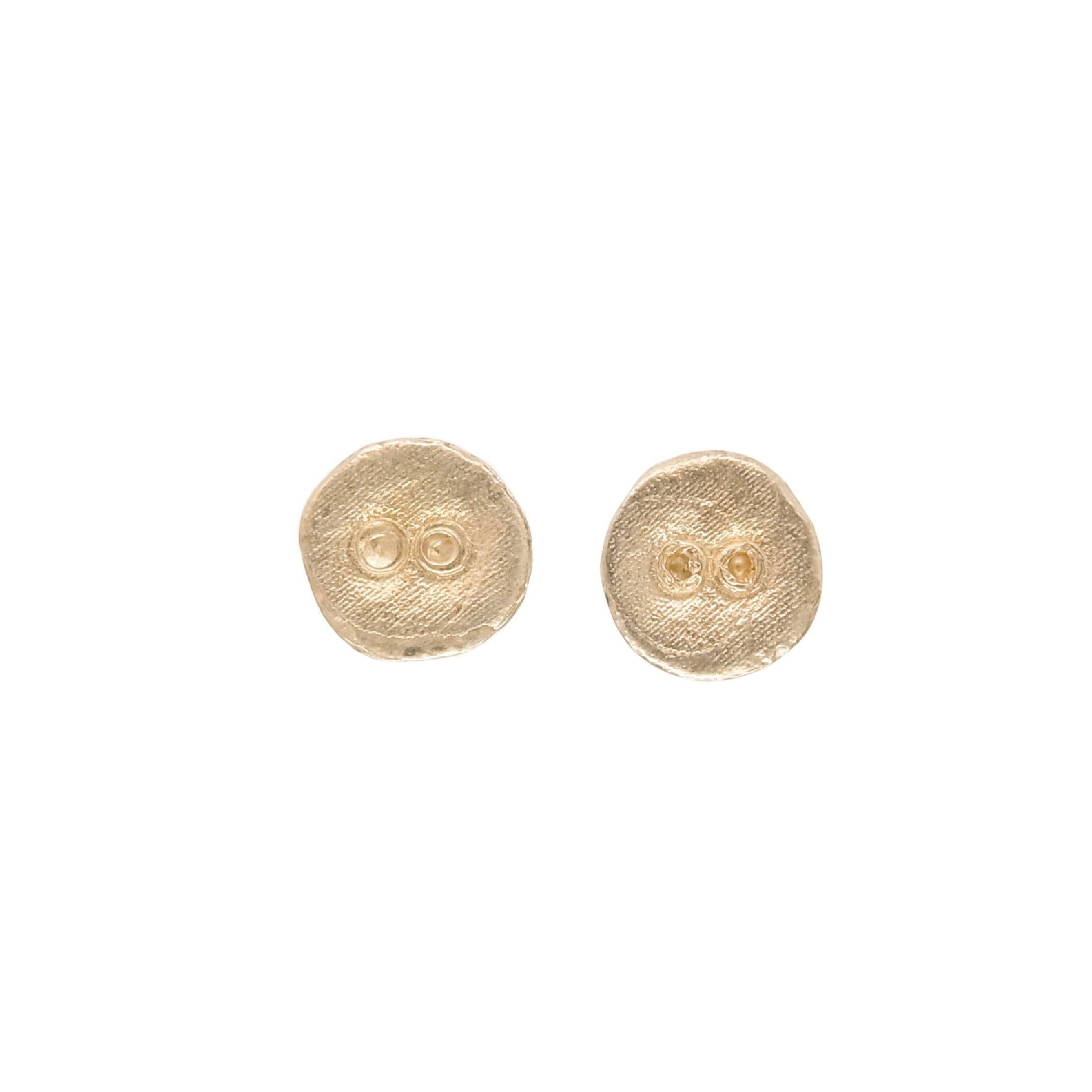 Button pierced earrings gold color