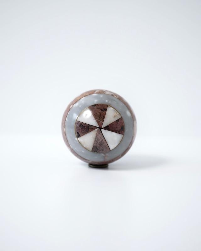 大理石の球体
