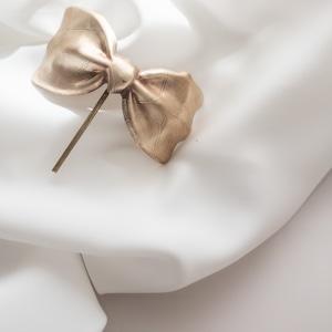 vintage gold ribbon ponyfook