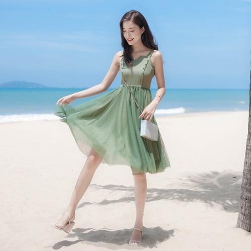 リゾートワンピース ひざ丈 ノースリーブ フレアスカート レディース おでかけ フェミニン かわいい 可愛い 緑 グリーン wa535