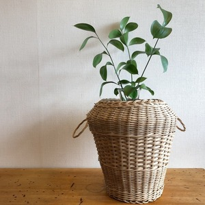 花瓶型ラタンかご