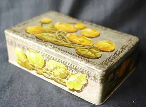 ドイツ 黄色い花の缶 Tincan