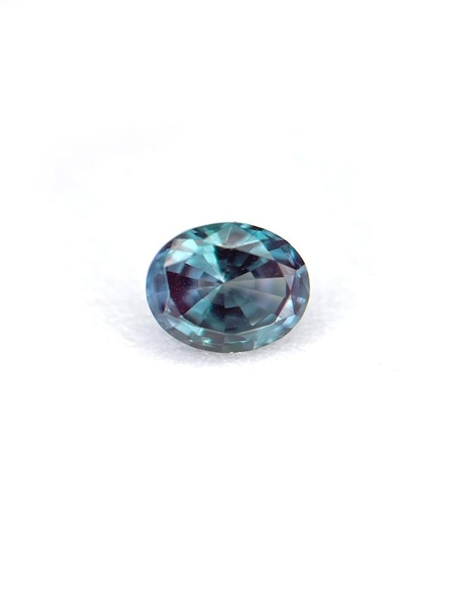 流石の透明感と輝き 合成アレキサンドライト  0.449ct