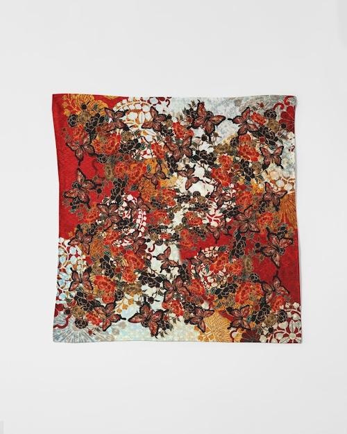 牡丹家紋紅白 サテンスカーフ 90㎝×90㎝