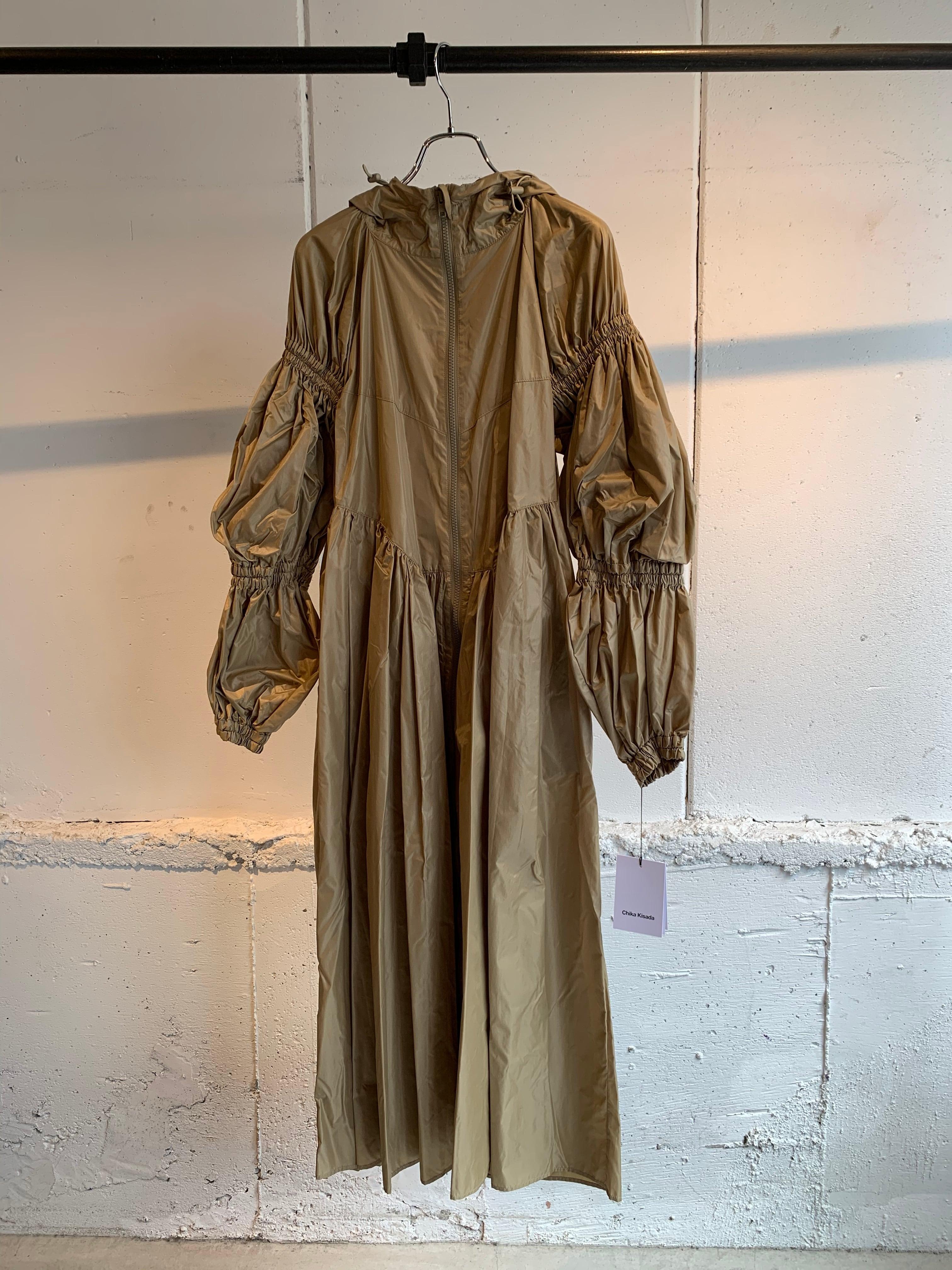 Chika Kisada hood coat (CAMEL)