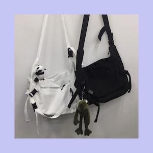 【お取り寄せ】【選べる】マスコット付き カジュアル ショルダーバッグ 4種
