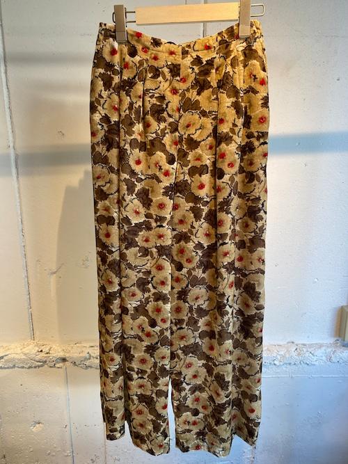 FUMIE=TANAKA    flower velvet pants