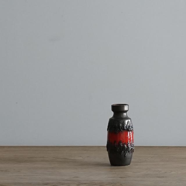 #06-04  Fat Lava Vintage flower vase