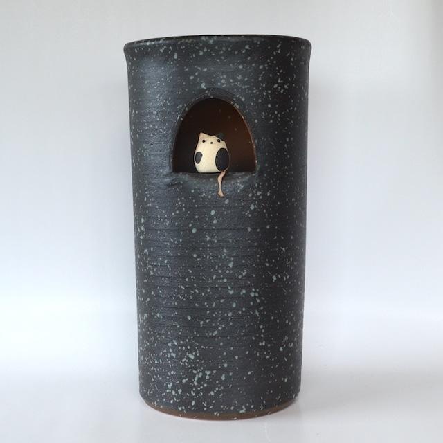 小窓ねこ傘立て 531-04 信楽焼 和風 傘立て モダン 美術品 焼き物 傘入れ 陶器 工芸品 和風モダン 傘 収納 しがらき 猫 ねこ