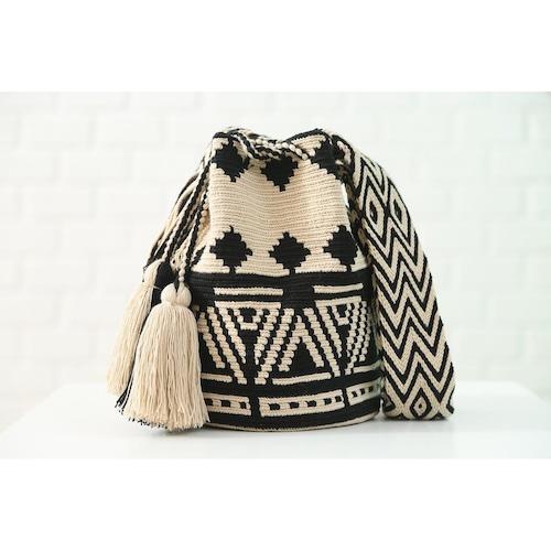 Chila Bags Poblado Black Bag